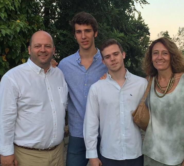 Miguel Armijo y familia